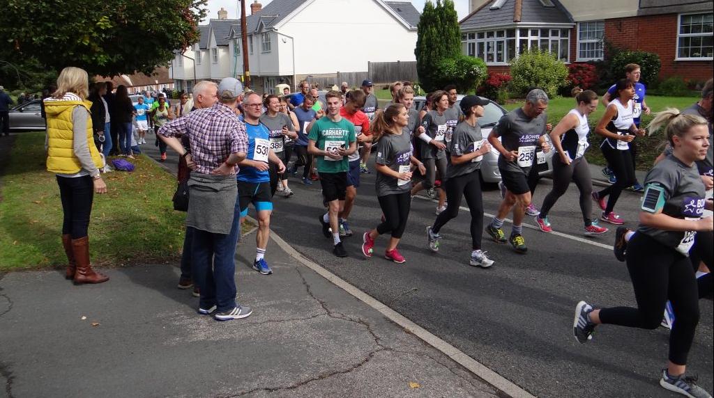 Team Dedham raise over £18,000 in 10k run